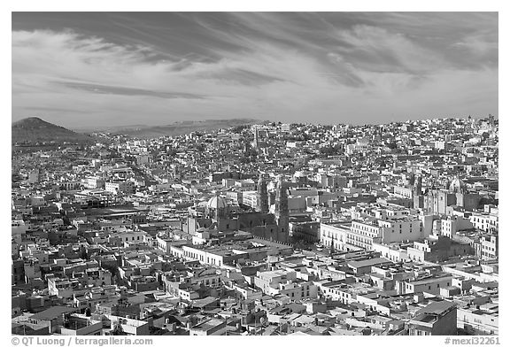 Panoramic view of the town from Paseo La Buffa, morning. Zacatecas, Mexico (black and white)