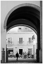 Archway on Arms Square. Zacatecas, Mexico ( black and white)
