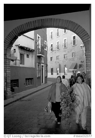 Women walking in a tunnel. Guanajuato, Mexico
