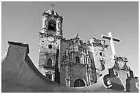 Facade of La Valenciana church, late afternoon. Guanajuato, Mexico (black and white)