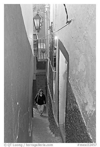 Looking down Callejon del Beso, the narrowest of the alleyways. Guanajuato, Mexico (black and white)