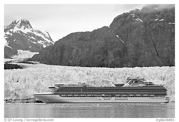 Cruise ship stopping next to Margerie Glacier. Glacier Bay National Park (black and white)