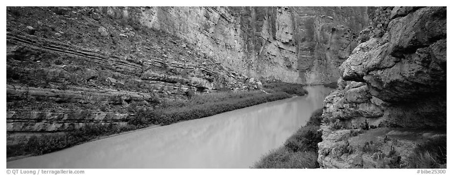 Rio Grande River flowing through Santa Elena Canyon. Big Bend National Park (black and white)