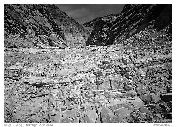 Mosaic Canyon. Death Valley National Park (black and white)