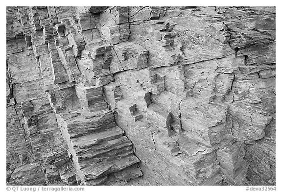 Polyedral rock patterns, Mosaic canyon. Death Valley National Park (black and white)