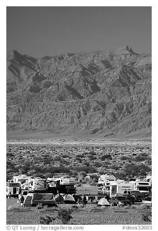 Camp and RVs at Stovepipe Wells, with Armagosa Mountains in the background. Death Valley National Park, California, USA.
