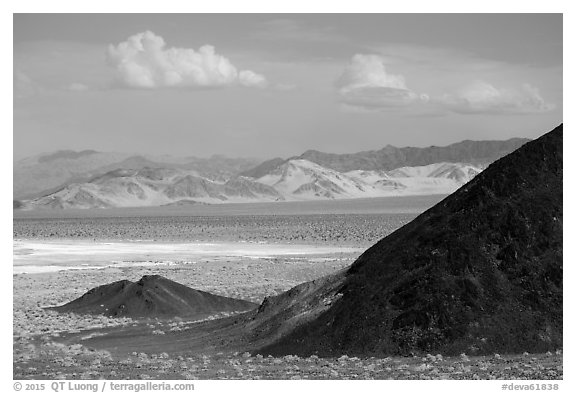 Ibex hills. Death Valley National Park (black and white)