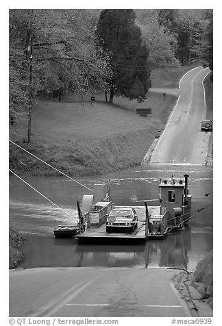 Green River ferry crossing. Mammoth Cave National Park (black and white)