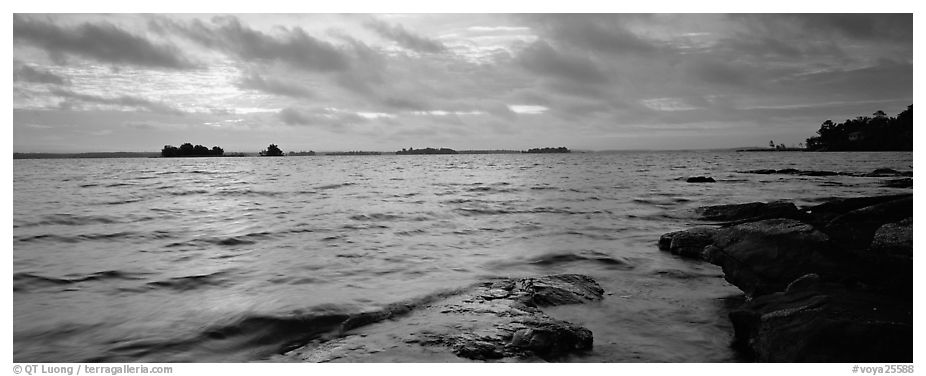 Panoramic black and white picture photo lakeshore scenery voyageurs national park