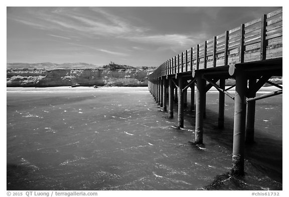 Pier, Bechers Bay, Santa Rosa Island. Channel Islands National Park (black and white)