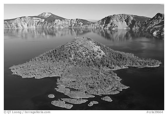 Wizard Island, afternoon. Crater Lake National Park (black and white)