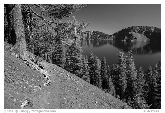 Wizard Island summit trail. Crater Lake National Park (black and white)