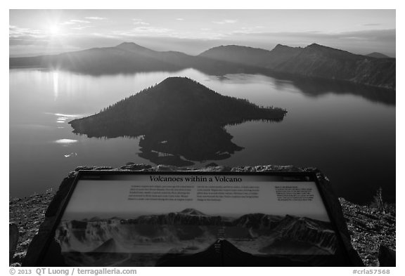 Interpretive sign, Wizard Island and Mount Scott. Crater Lake National Park (black and white)