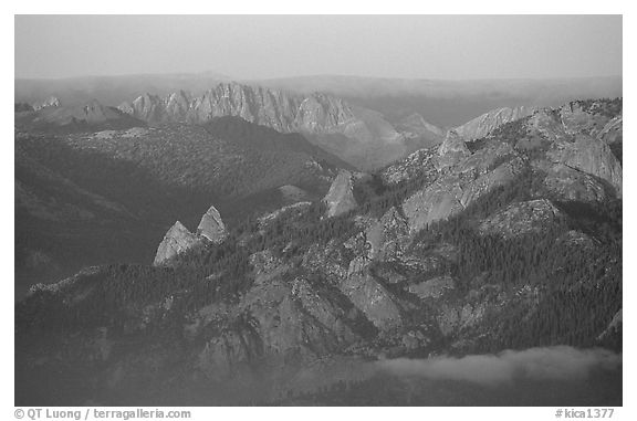Monarch Divide at sunset. Kings Canyon National Park (black and white)