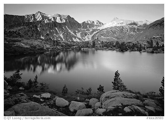 Woods lake, sunset. Kings Canyon National Park (black and white)