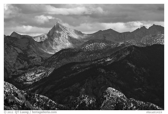 Sierra Nevada crest. Kings Canyon National Park (black and white)