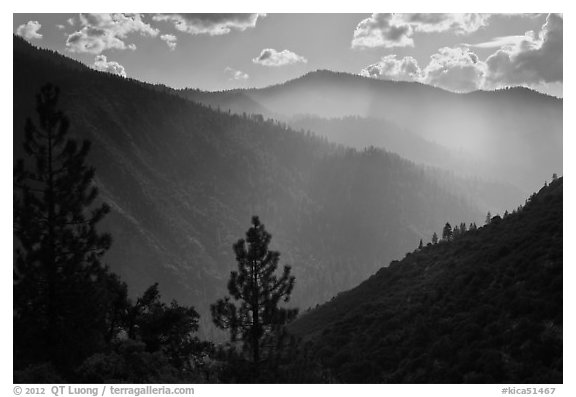 Ridges of South Forks of the Kings River canyon. Kings Canyon National Park (black and white)