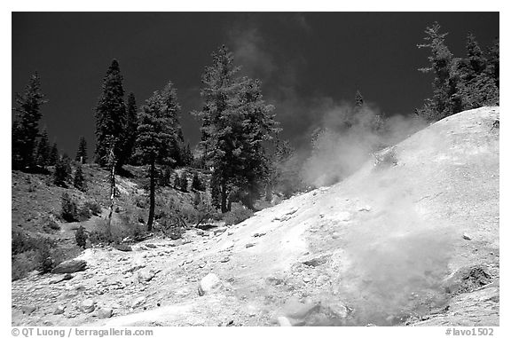 Sulphur works thermal area. Lassen Volcanic National Park (black and white)