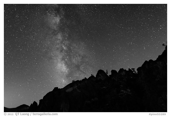 Rocky ridge and star-filled sky with Milky Way. Pinnacles National Park (black and white)
