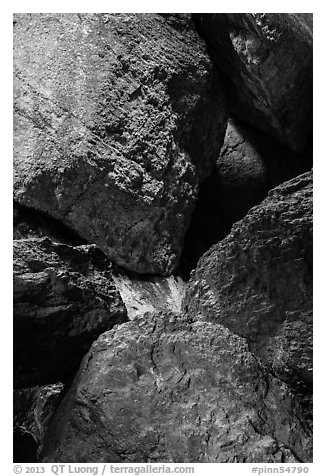 Boulders in Balconies Cave. Pinnacles National Park (black and white)
