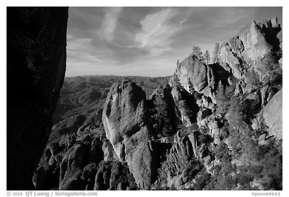 Top of High Peaks. Pinnacles National Park (black and white)