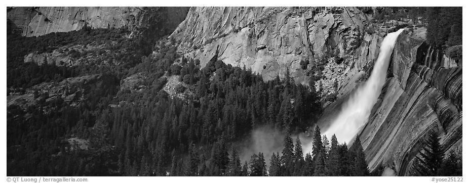 Nevada Fall. Yosemite National Park (black and white)