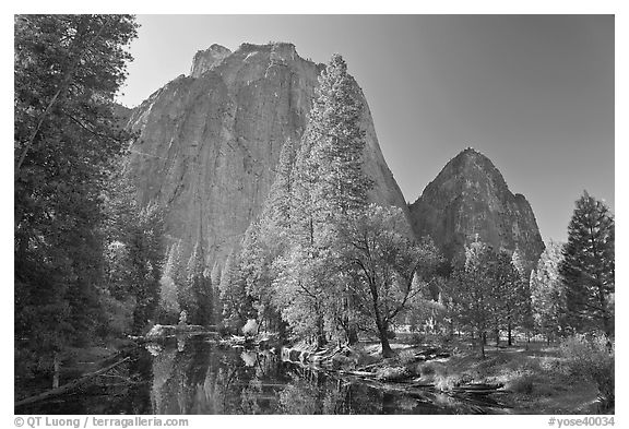 Merced River and Cathedral Rocks in autumn. Yosemite National Park (black and white)