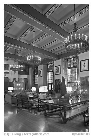 Lounge, Ahwahnee hotel. Yosemite National Park (black and white)