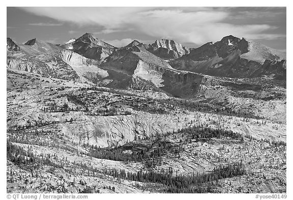Granite slabs and mountains. Yosemite National Park (black and white)
