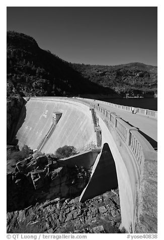 O'Shaughnessy Dam, Hetch Hetchy Valley. Yosemite National Park (black and white)