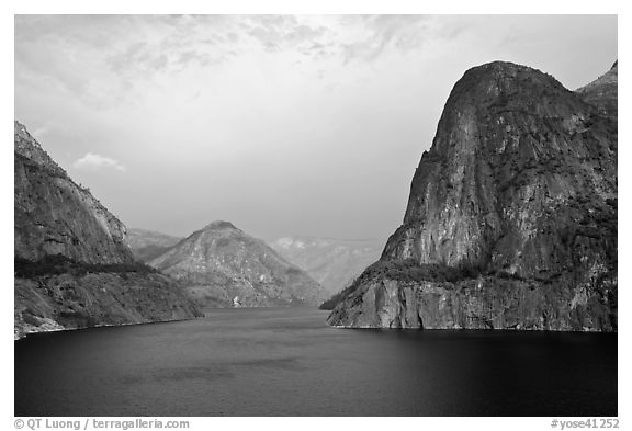 Kolana Rock and Hetch Hetchy reservoir, afternoon. Yosemite National Park (black and white)