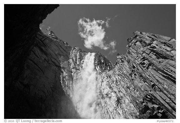 Ribbon Fall. Yosemite National Park (black and white)