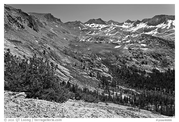 High Sierra view from Vogelsang Pass above Lewis Creek with Parson Peak and Gallison Lake. Yosemite National Park (black and white)