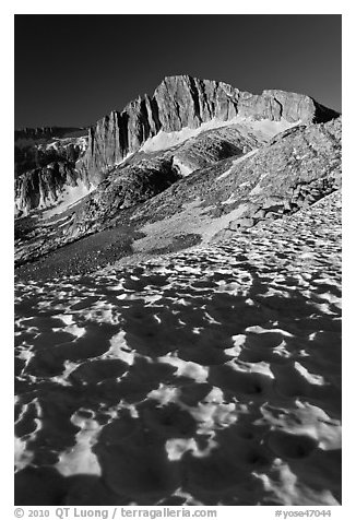 Neve with sun cups on the Sierra Crest, and North Peak. Yosemite National Park (black and white)