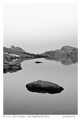 Stone in Roosevelt Lake, dawn. Yosemite National Park (black and white)