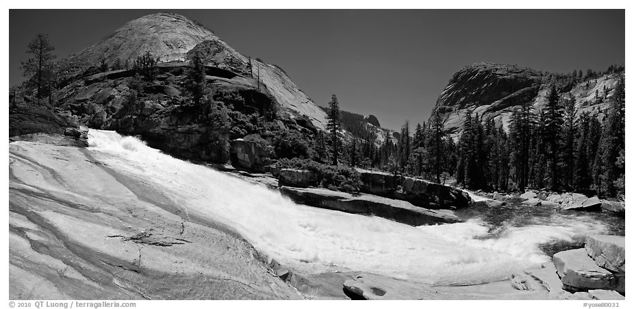 Bend of the Merced River in Upper Merced River Canyon. Yosemite National Park (black and white)