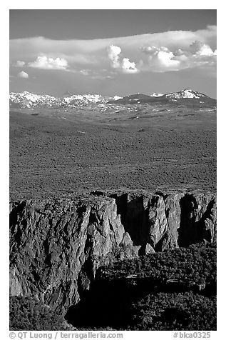 canyon from  North vista trail. Black Canyon of the Gunnison National Park (black and white)