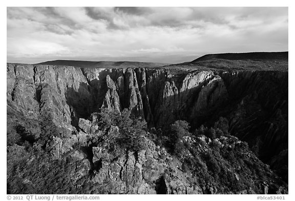 Wide view from Gunnison point. Black Canyon of the Gunnison National Park (black and white)
