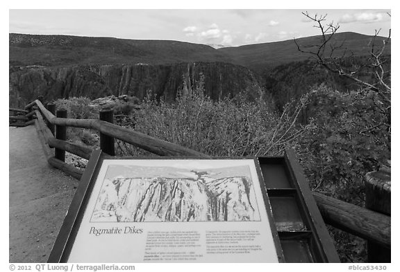 Interpretive sign. Black Canyon of the Gunnison National Park (black and white)