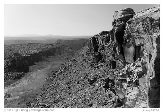 Cliffs and Surprise Valley, Maze District. Canyonlands National Park (black and white)