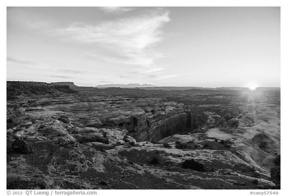 Sunrise over Jasper Canyon from Petes Mesa. Canyonlands National Park (black and white)