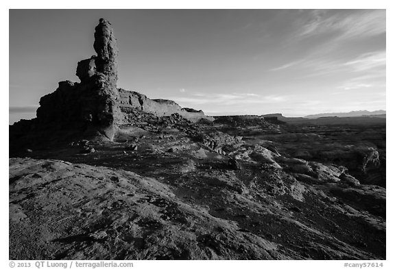 Petes Mesa at sunrise, Maze District. Canyonlands National Park (black and white)