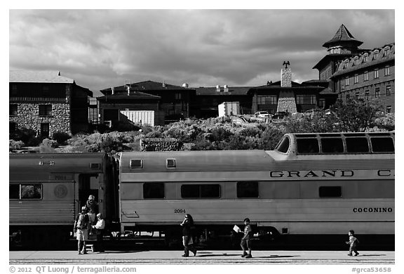 Grand Canyon train and El Tovar Hotel. Grand Canyon National Park (black and white)