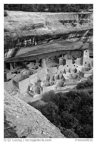Cliff Palace, late afternoon. Mesa Verde National Park, Colorado, USA.