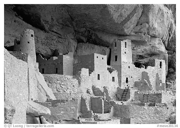 Ancestral pueblan dwellings in Cliff Palace. Mesa Verde National Park (black and white)