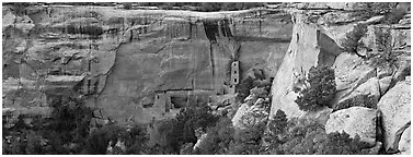 Cliffs and Ancestral pueblo ruin. Mesa Verde National Park (Panoramic black and white)