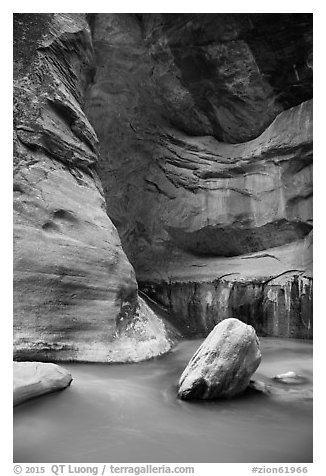 Virgin River flowing around boulders in the Narrows. Zion National Park (black and white)