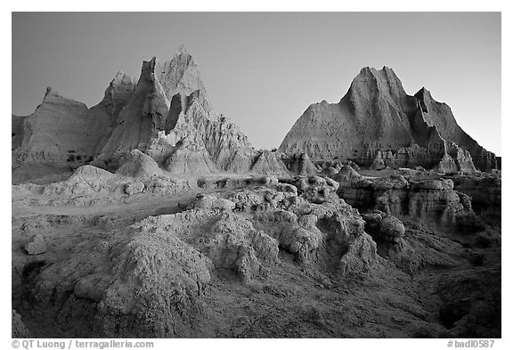 Erosion formations, Cedar Pass, dawn. Badlands National Park (black and white)