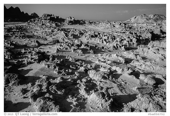 Low concretions. Badlands National Park (black and white)