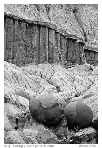 Cannon balls and erosion formations. Theodore Roosevelt National Park (black and white)